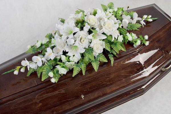 цветочная композиция на гроб для кремации Элит1