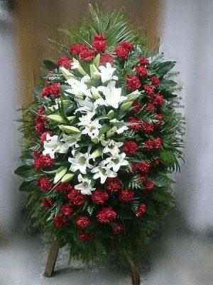 Венок на похороны из живых цветов 06