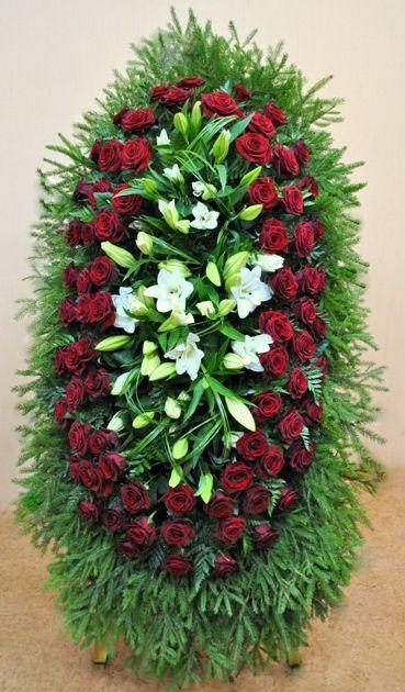 Венок на похороны из живых цветов №12