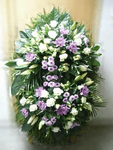 Венок на похороны из живых цветов №15