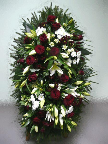 Венок на похороны из живых цветов №18