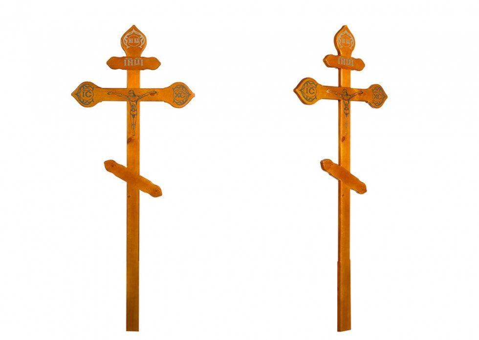 Крест на могилу Фигурный с распятьем светлый