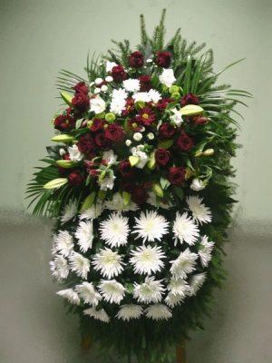 Венок на похороны из живых цветов 3