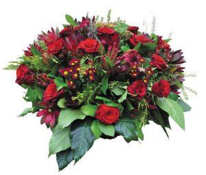 Корзина из живых цветов на похороны к6