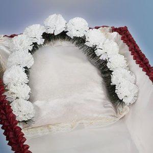 гирлянда из цветов в гроб tr2